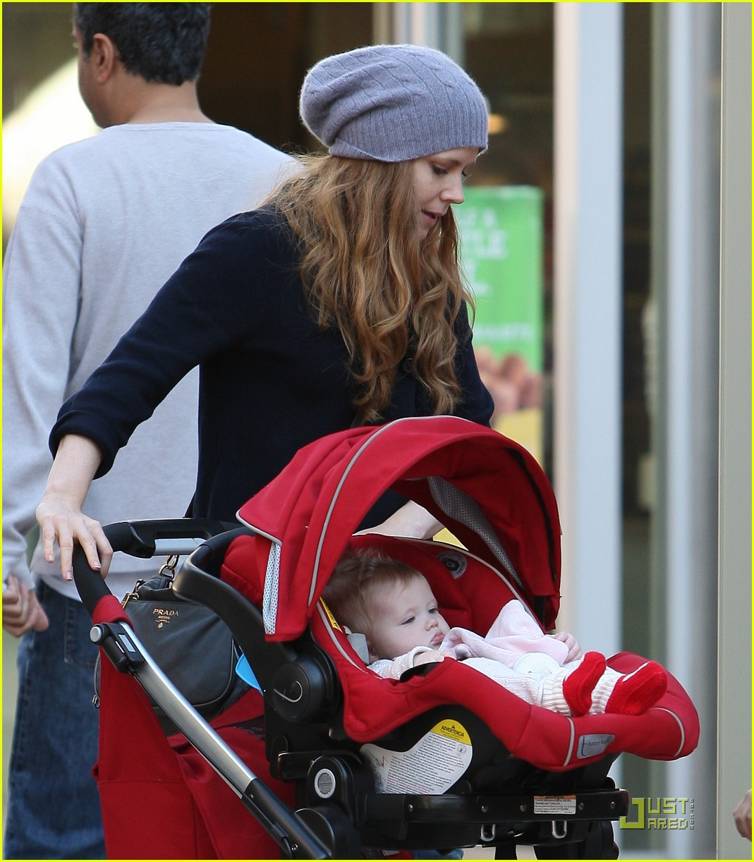 amy adams christmas shopping darren le gallo 17