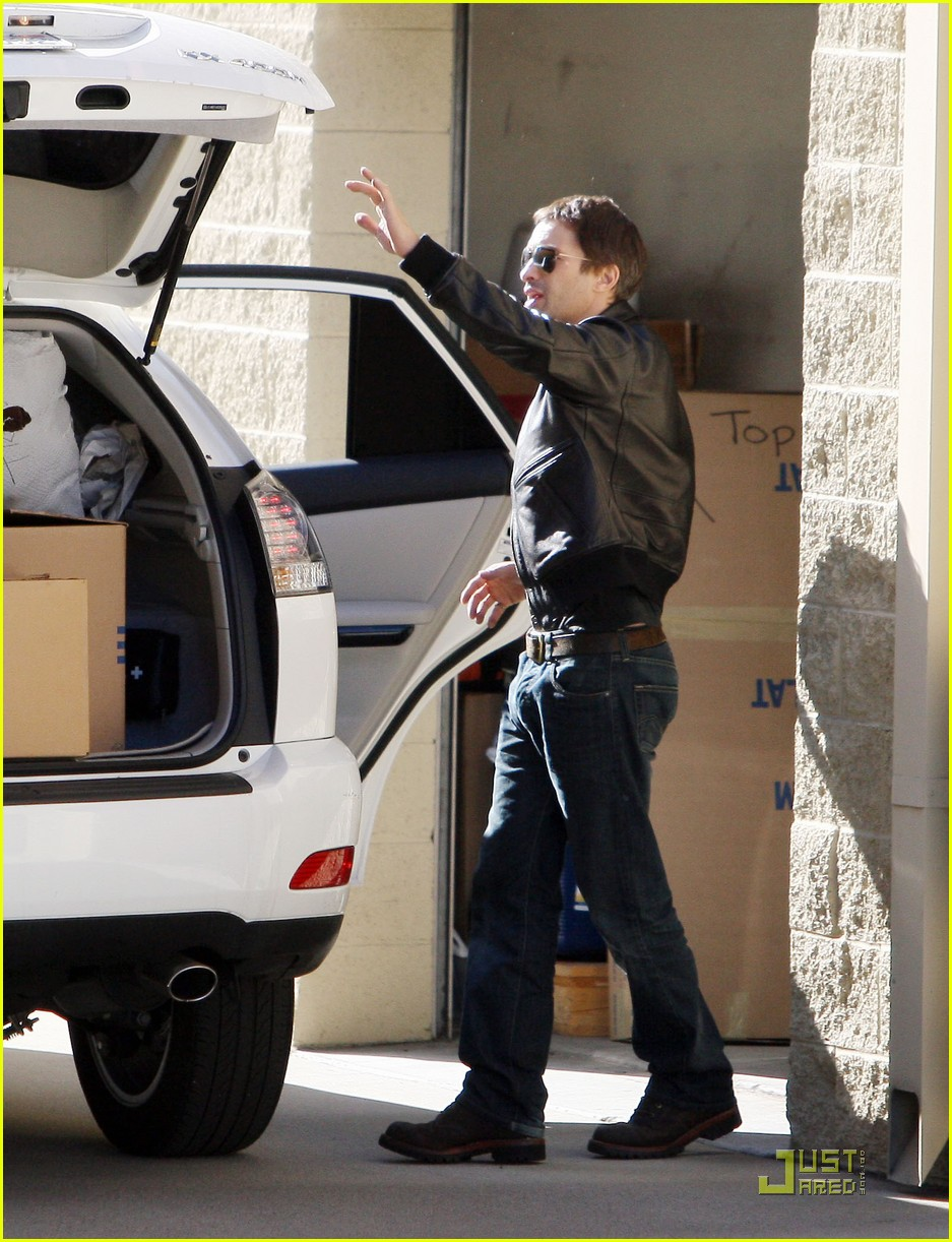 halle berry olivier martinez storage 10