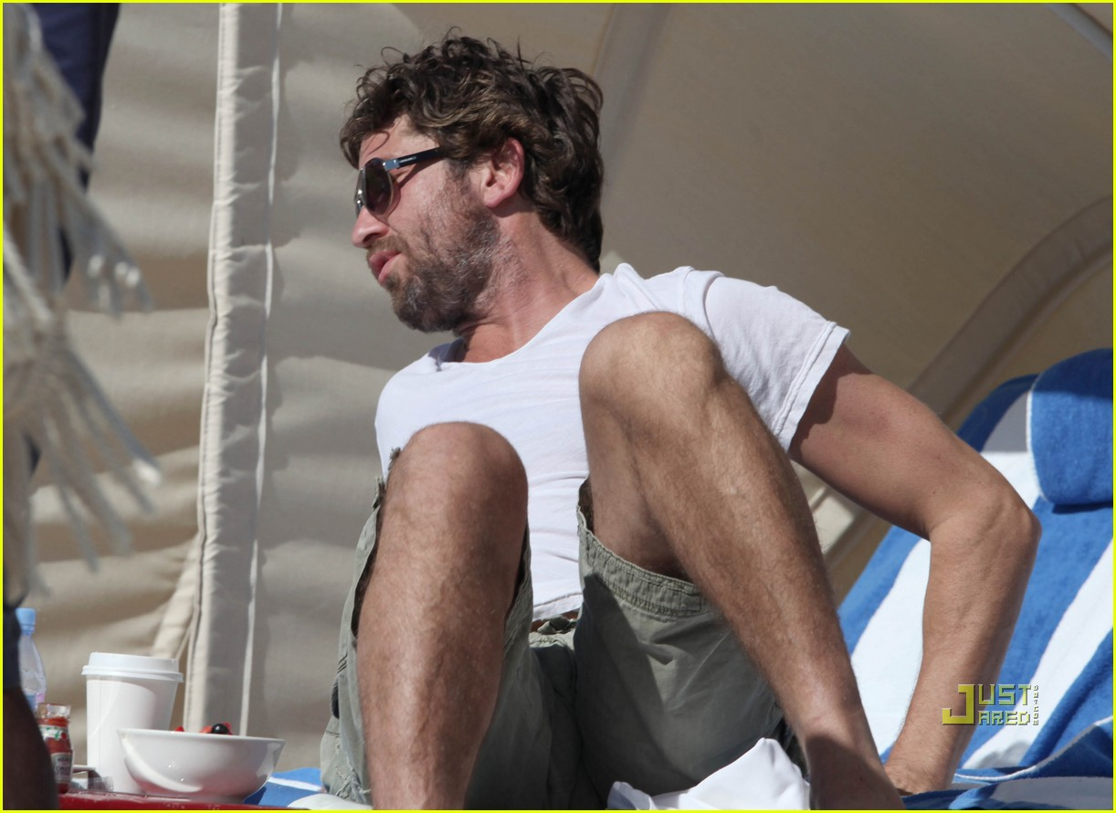 gerard butler south beach 042501435