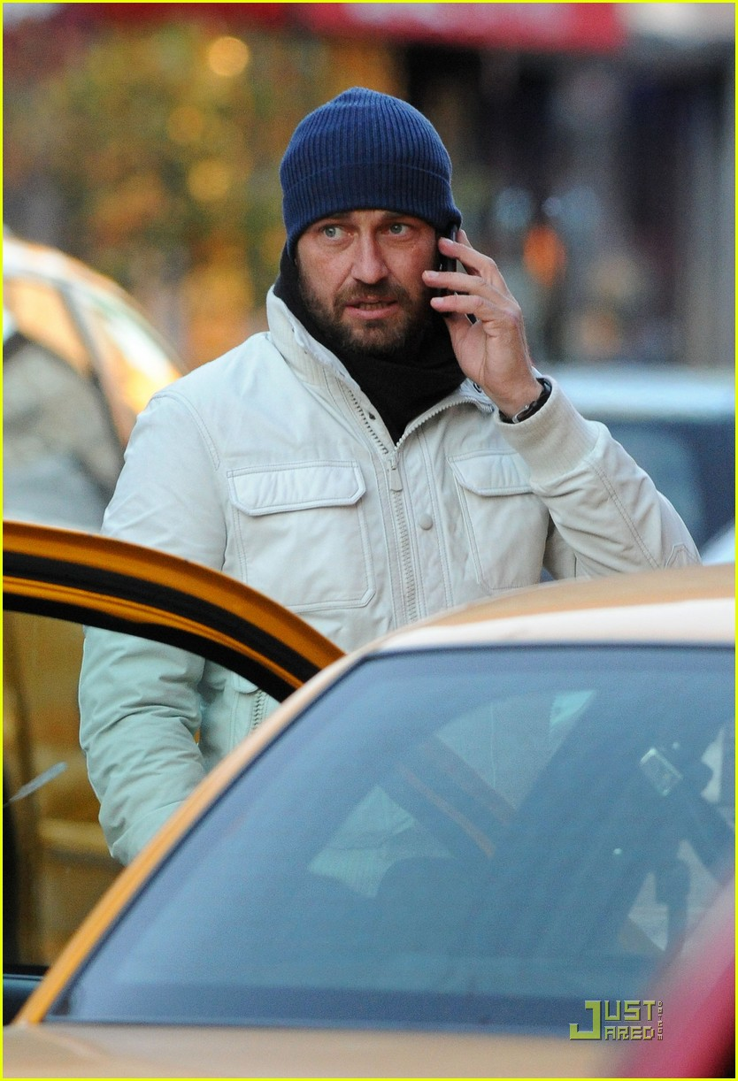 gerard butler on the run ny 05