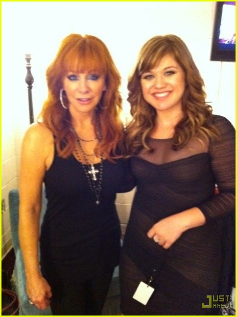 kelly clarkson reba mcentire aca after party 02