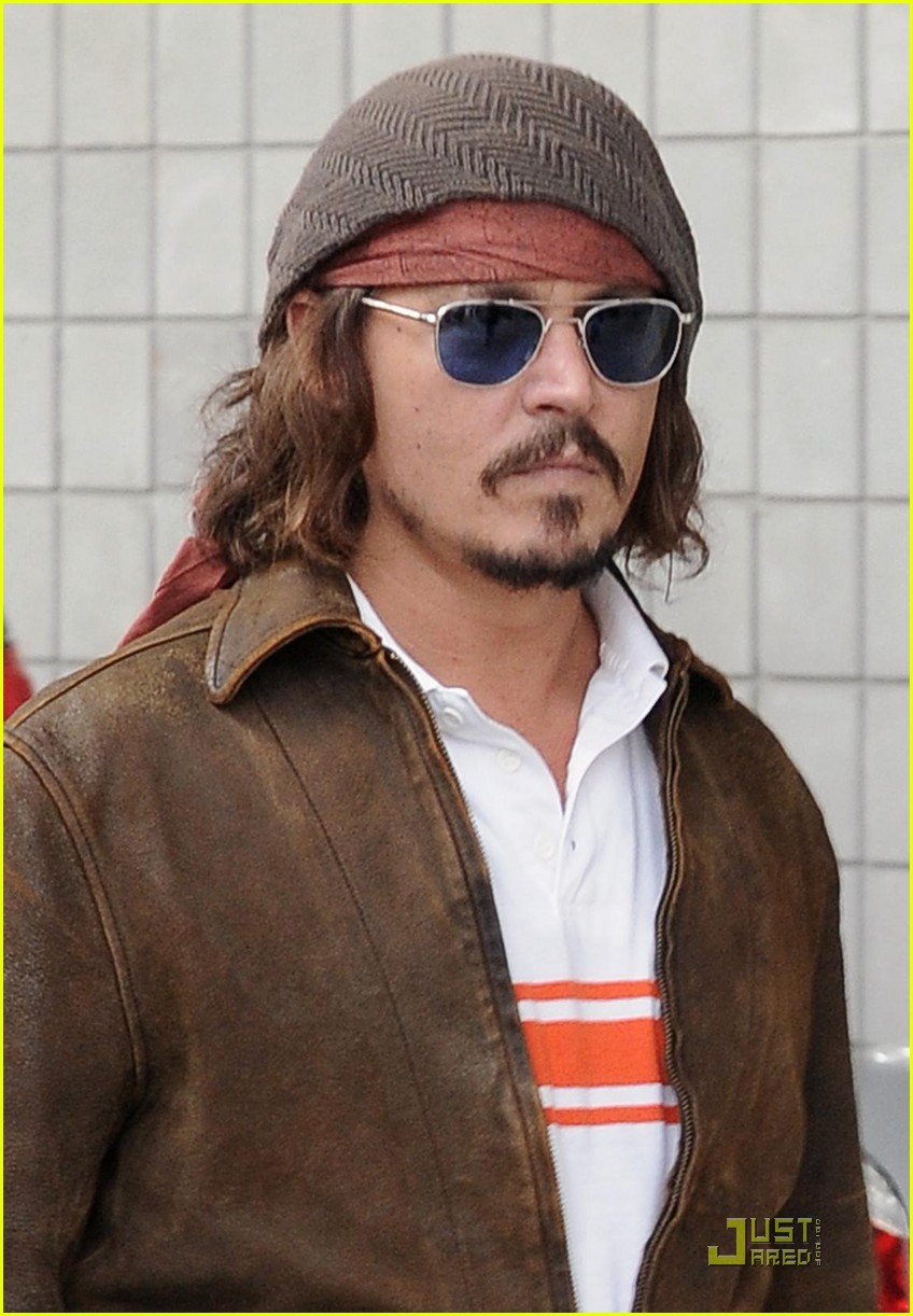 johnny depp dolphins life 142505112