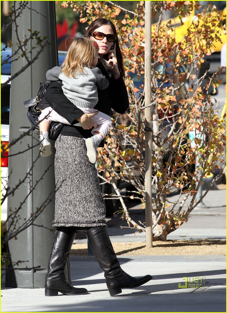 jennifer garner color me mine momma 11