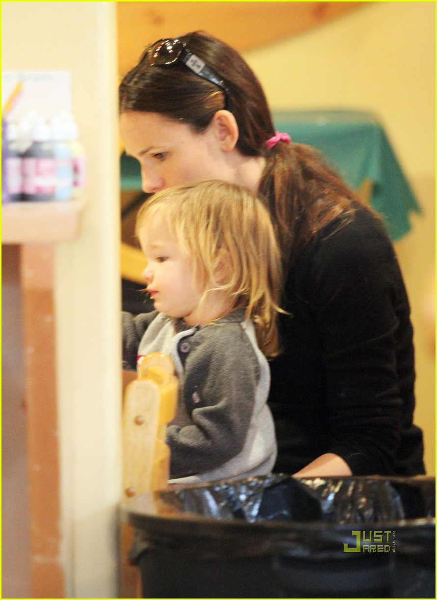 jennifer garner color me mine momma 14
