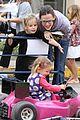 jennifer garner piggyback ride for violet 05