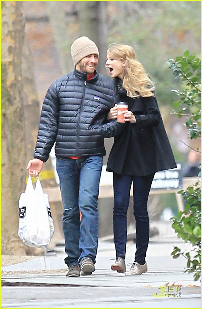 jake gyllenhaal taylor swift thanksgiving 022502024