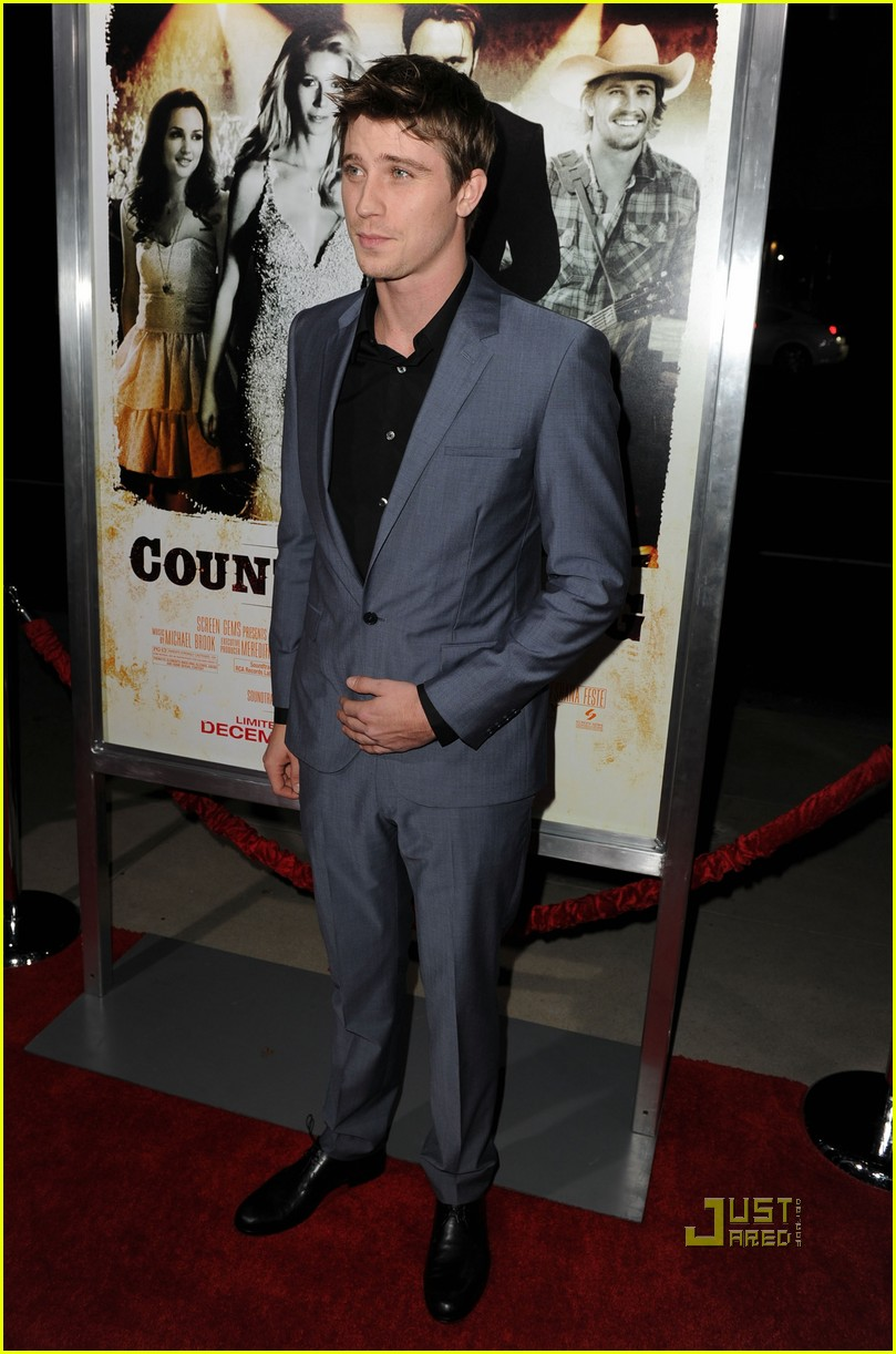 garrett hedlund minka kelly faith hill tim mcgraw country strong premiere 03