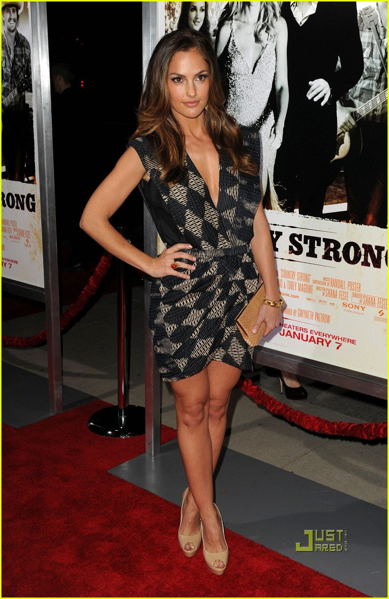 garrett hedlund minka kelly faith hill tim mcgraw country strong premiere 042503909