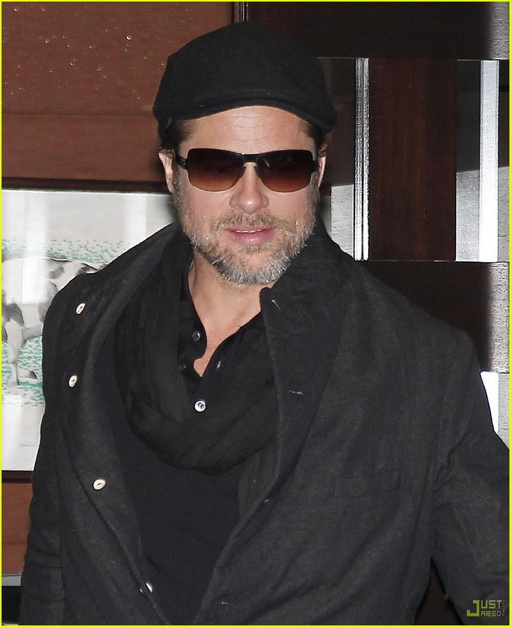 Full Sized Photo of angelina jolie brad pitt guy savoy ... Angelina Jolie Brad Pitt