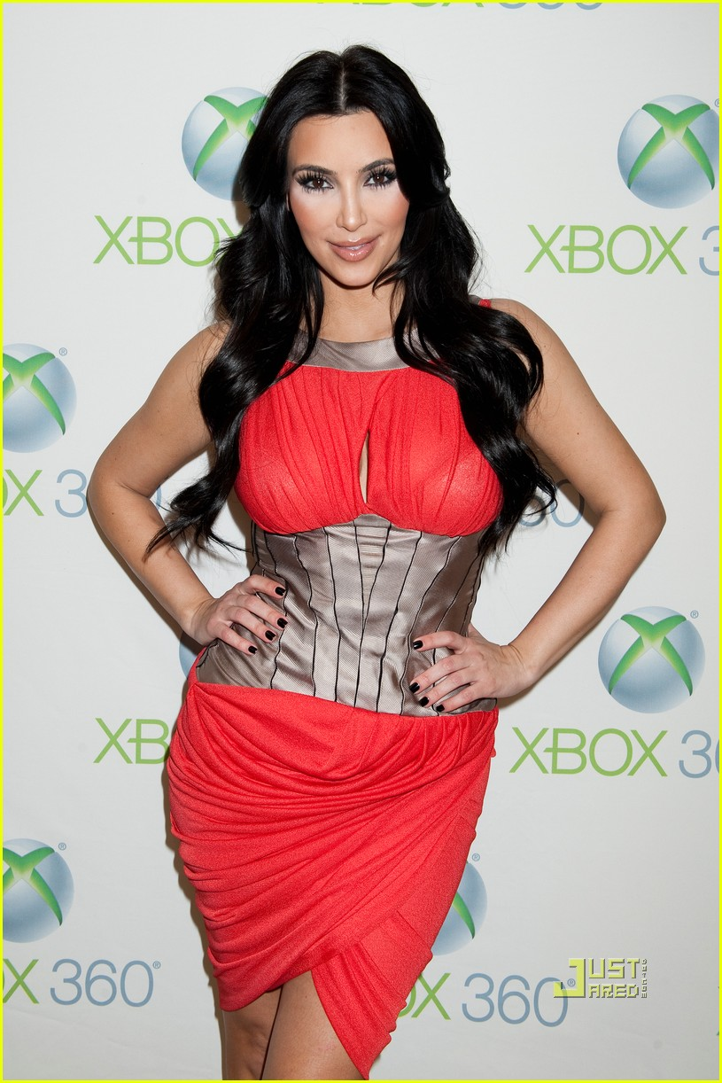 kim kardashian y100 jingle ball interview 04