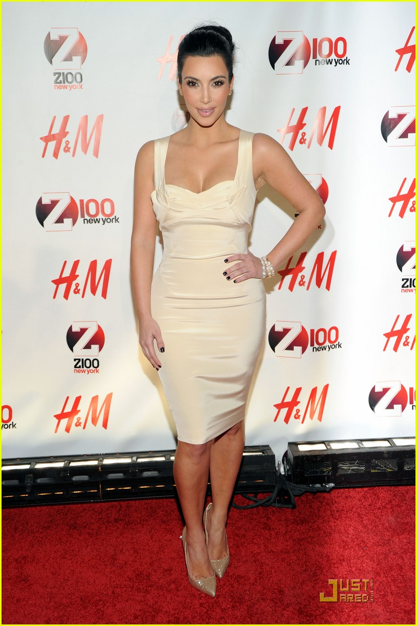 kim kardashian z100 jingle ball 2010 012502536
