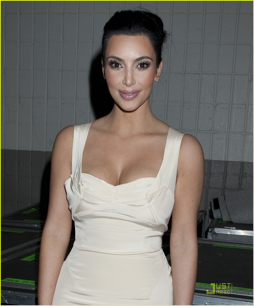 kim kardashian z100 jingle ball 2010 07