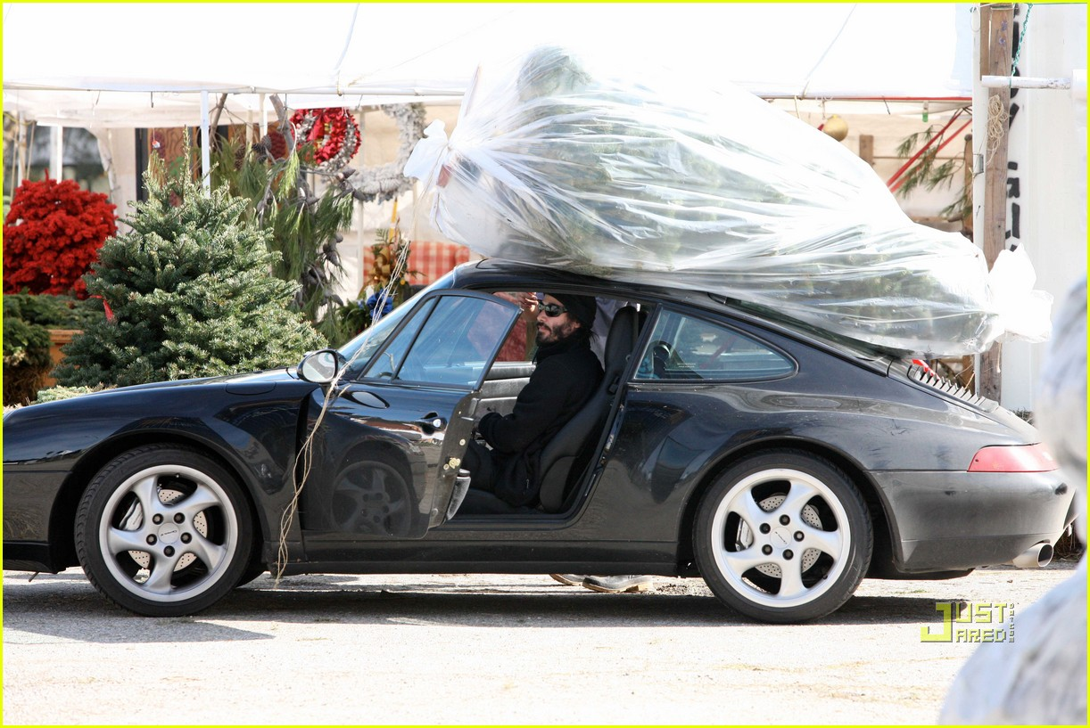 keanu reeves christmas tree shopping 02