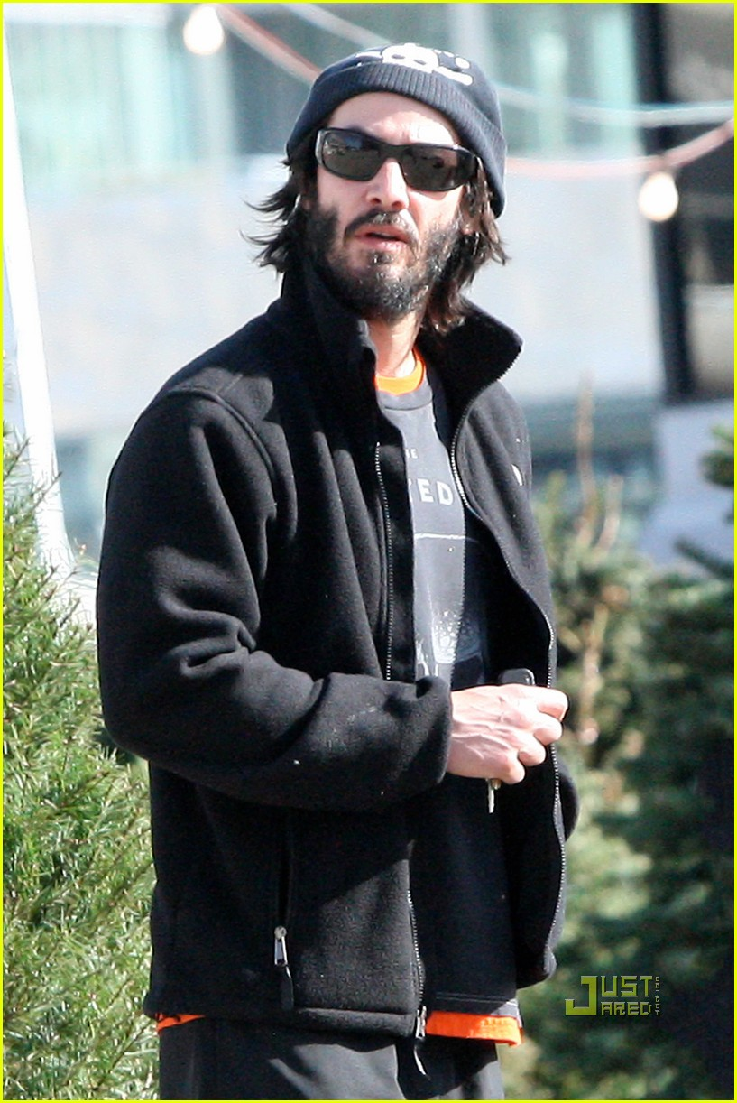 keanu reeves christmas tree shopping 062506375