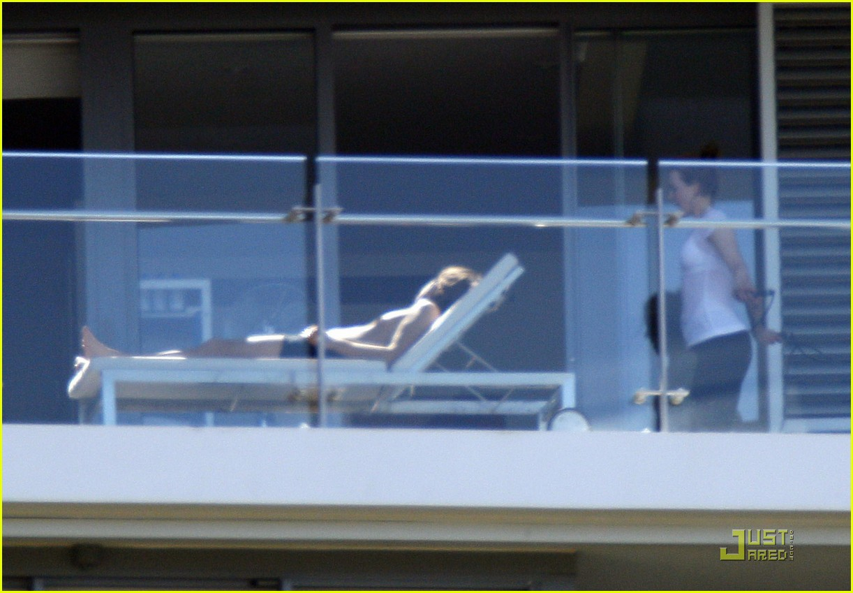 nicole kidman keith urban balcony break 072503100