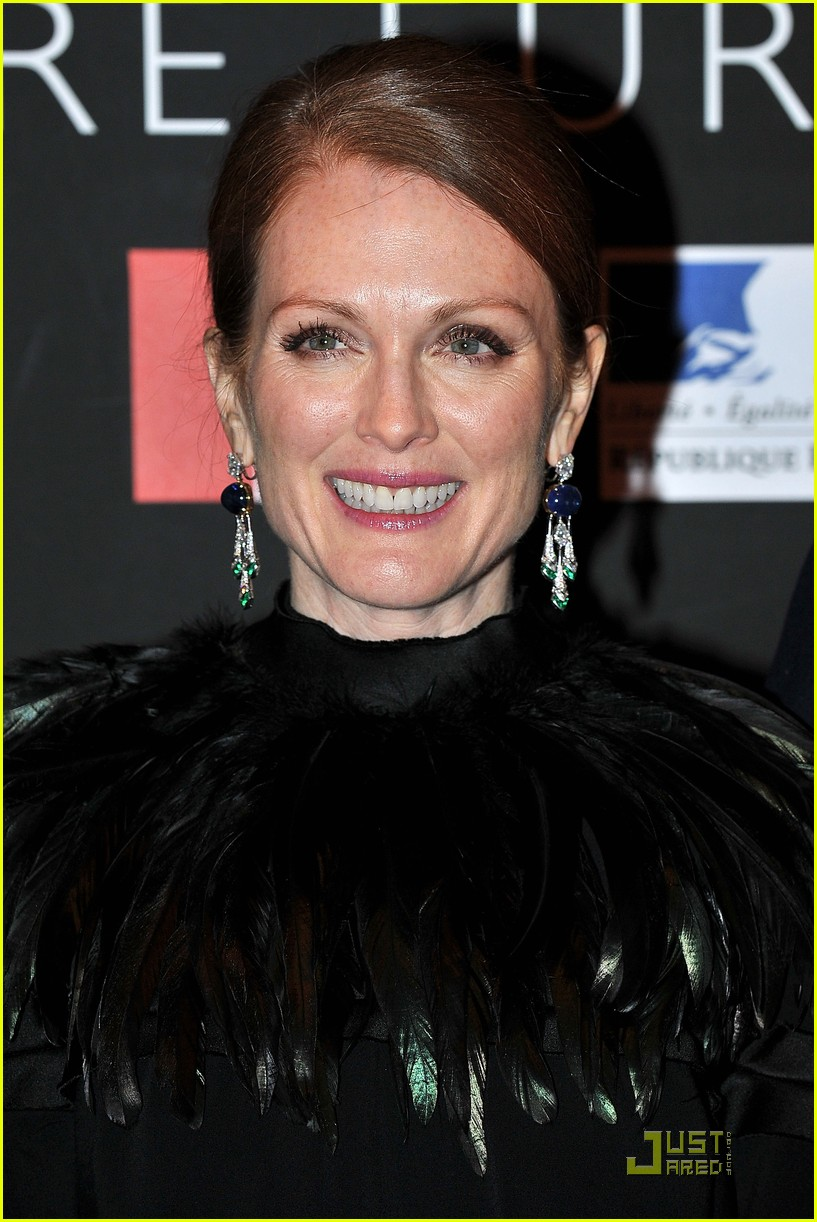 julianne moore bulgari 052502730