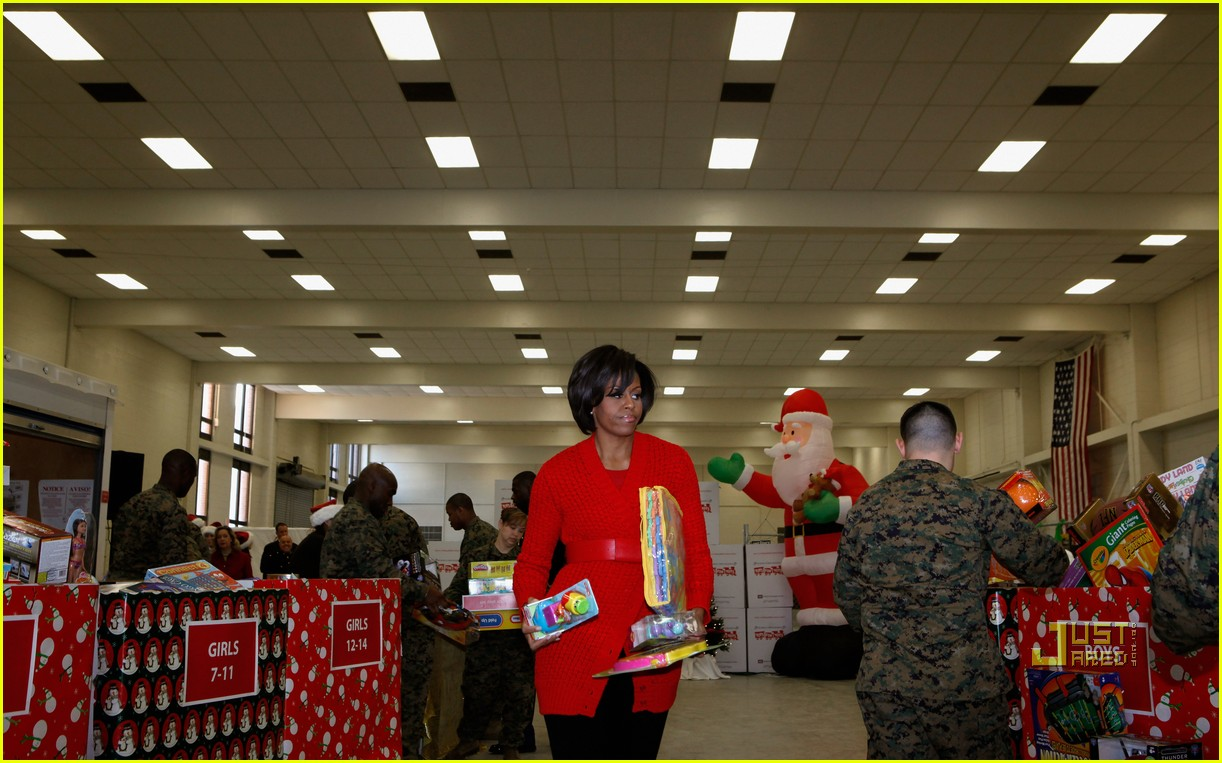 michelle obama toys for tots 11