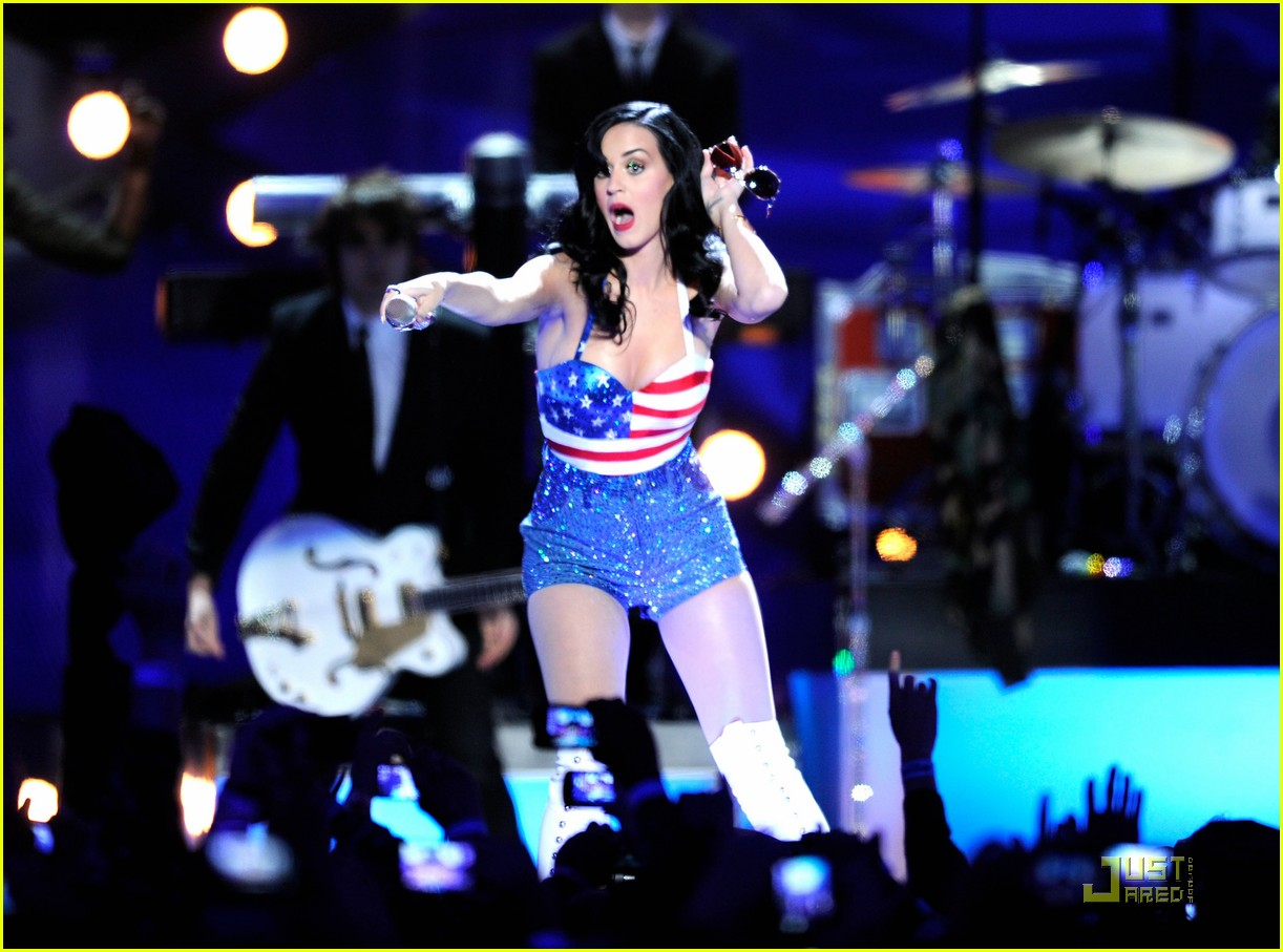 katy perry troops 09