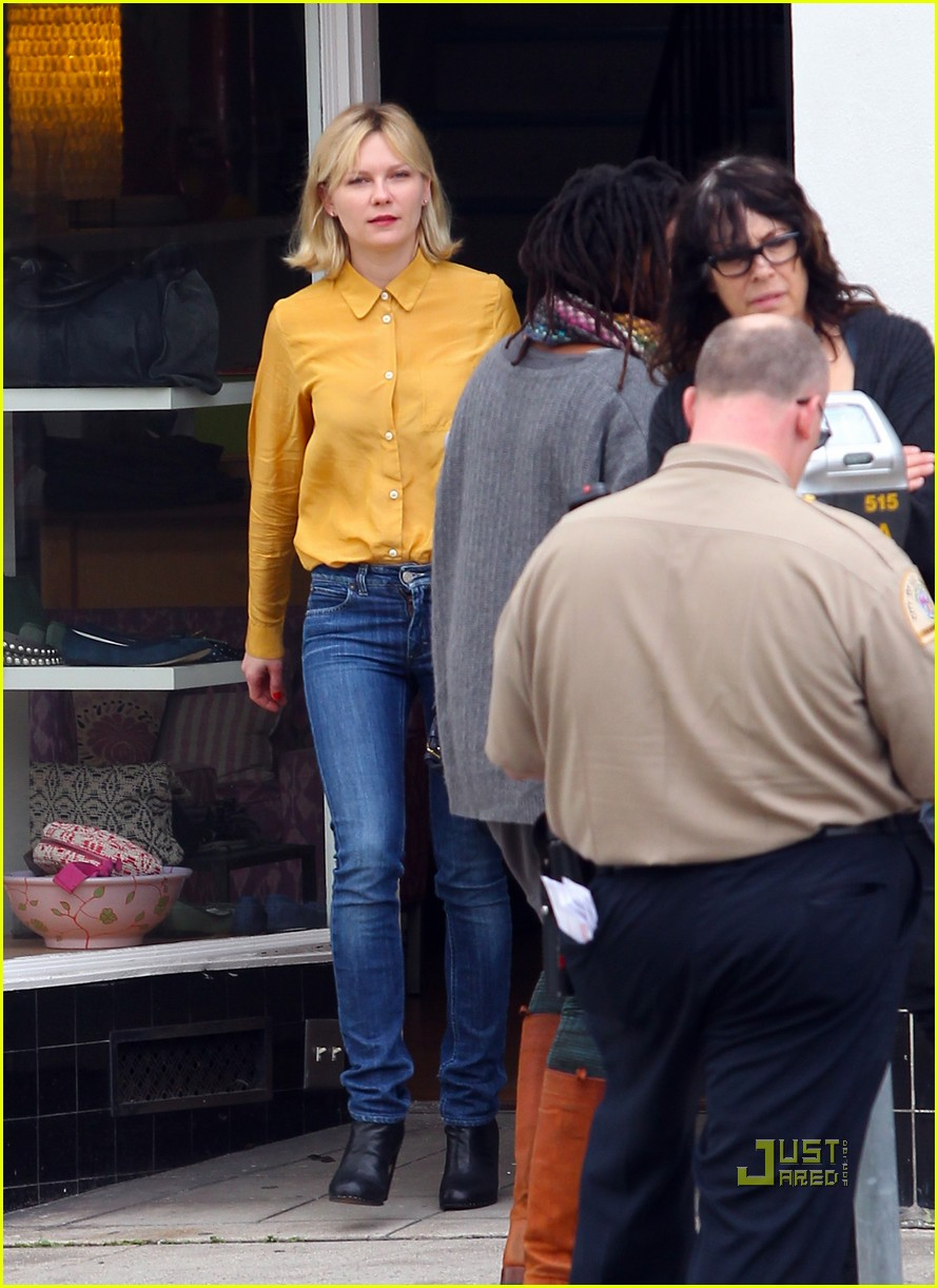 kirsten dunst parking ticket 022506069