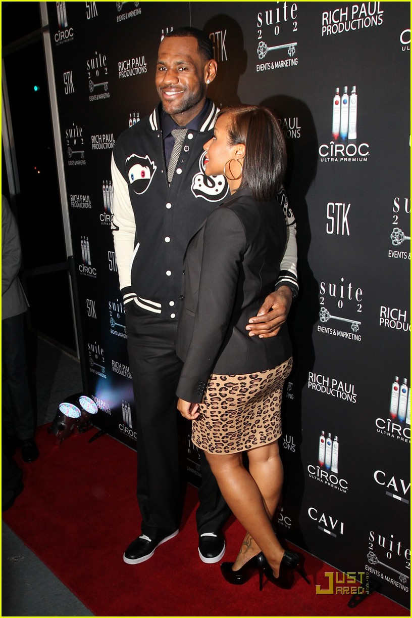 gabrielle union lebron james party 04