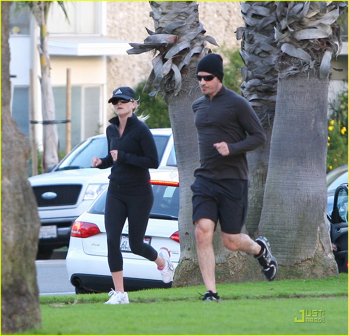 reese witherspoon jim toth jogging 04