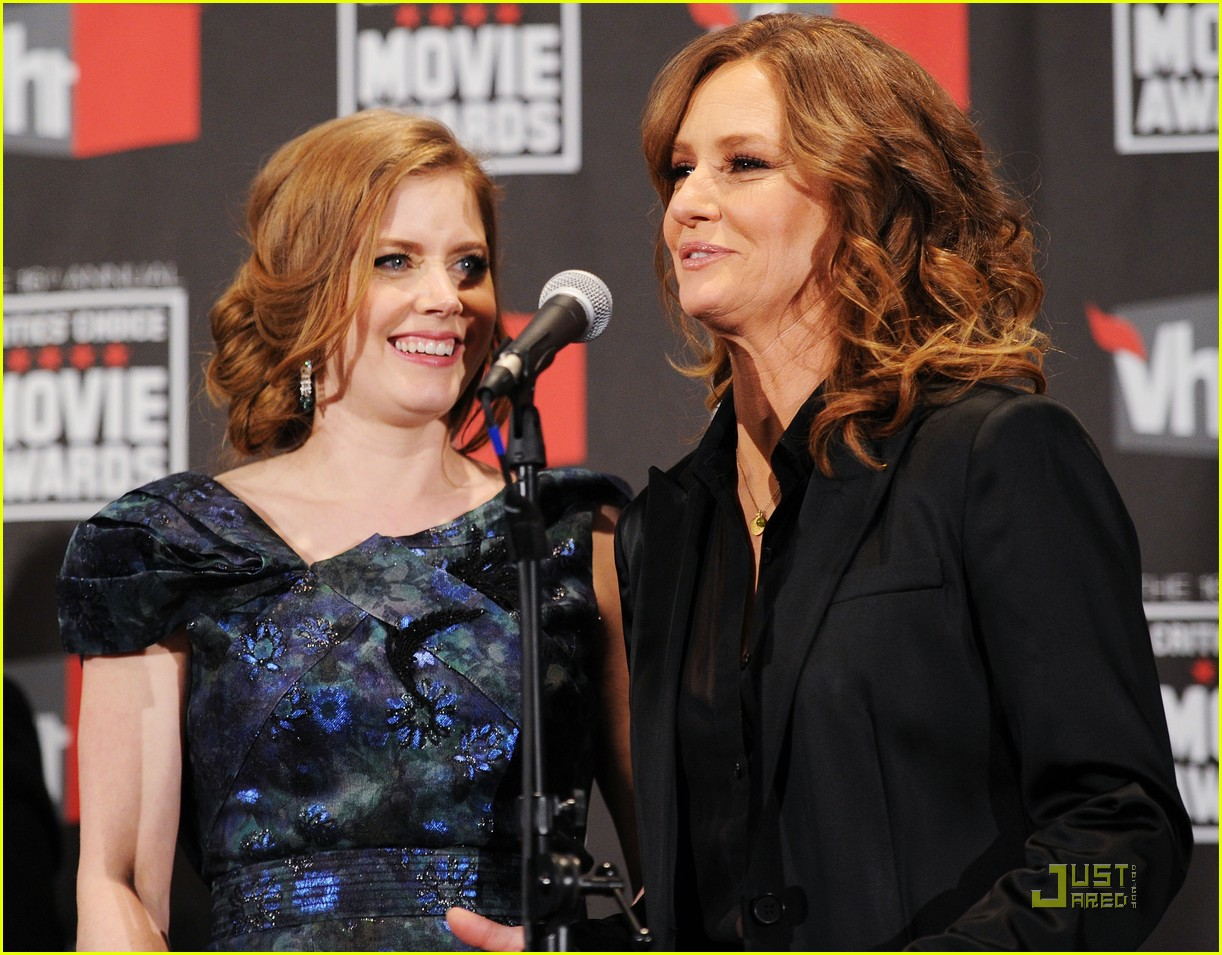 amy adams critics choice 022511215