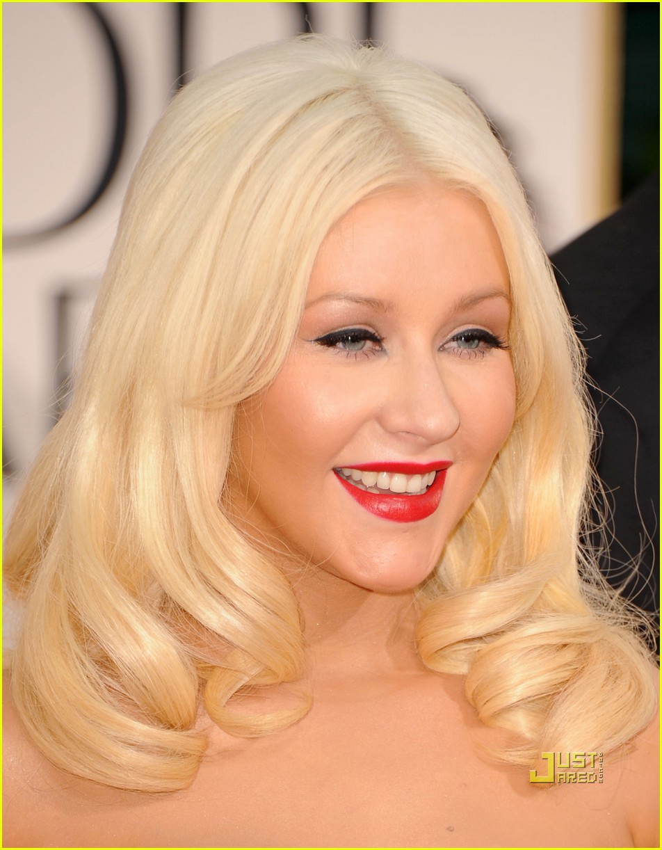 christina aguilera 2011 golden globes 09