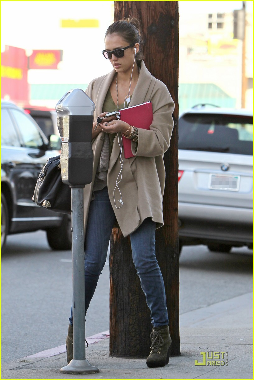 jessica alba joans on third 092510801