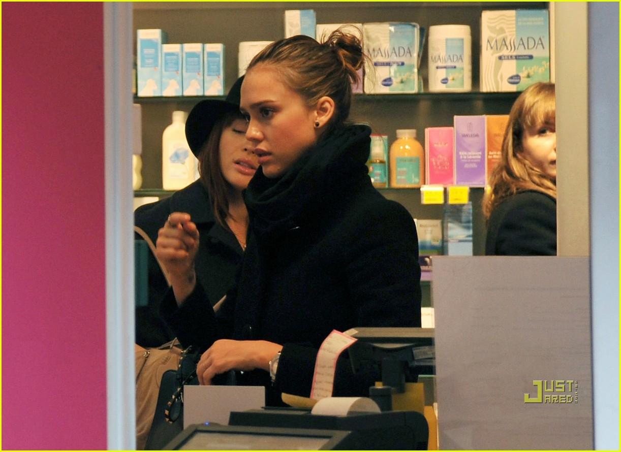 jessica alba mademoiselle boutique 03