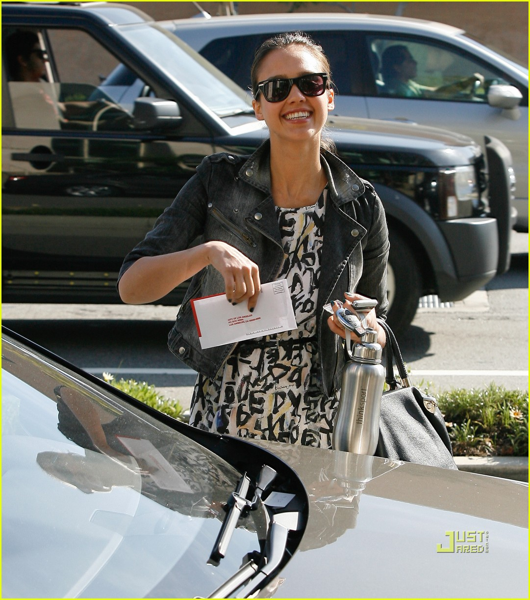 jessica alba parking ticket 01