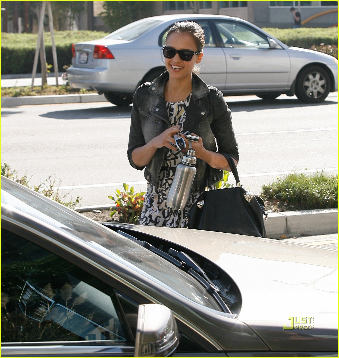 jessica alba parking ticket 02