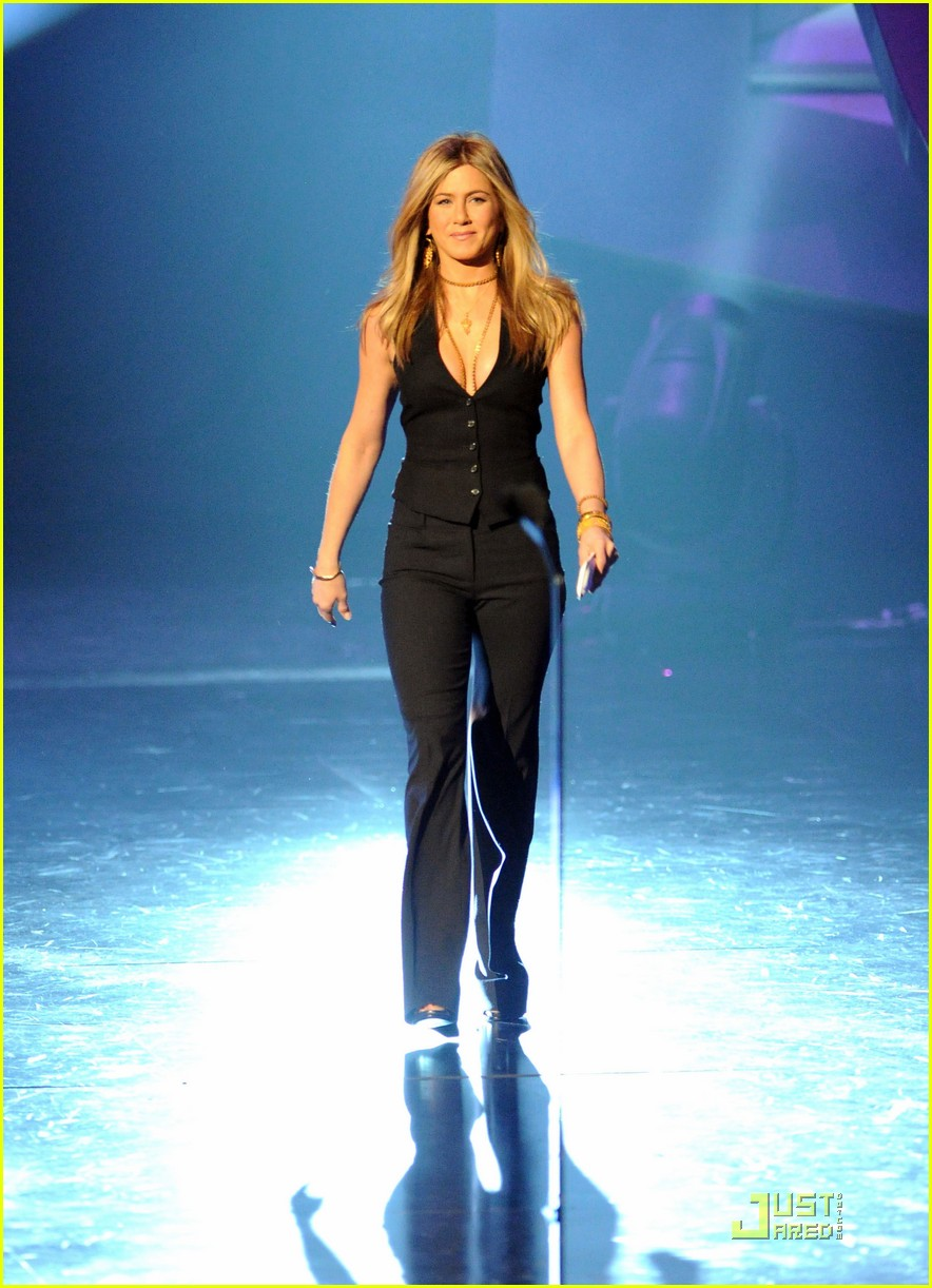 jennifer aniston pcas 022508430