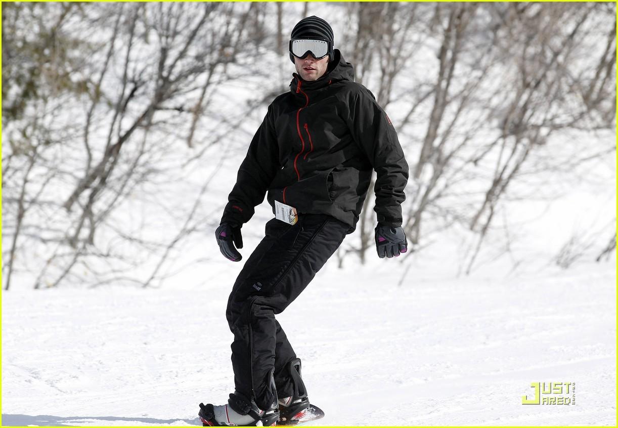 penn badgley snowboarding 08