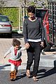halle berry nahla shopping 13