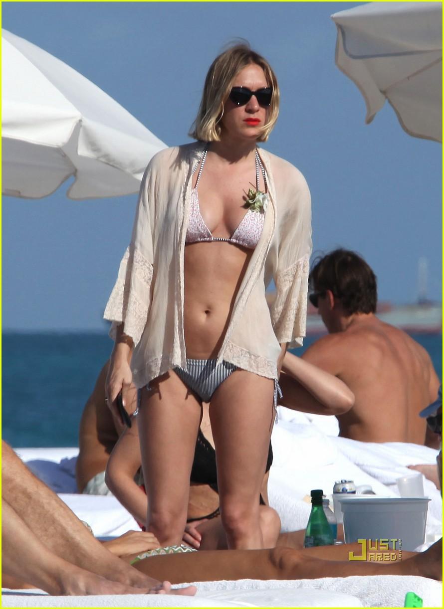 chloe sevigny bikini miami 01