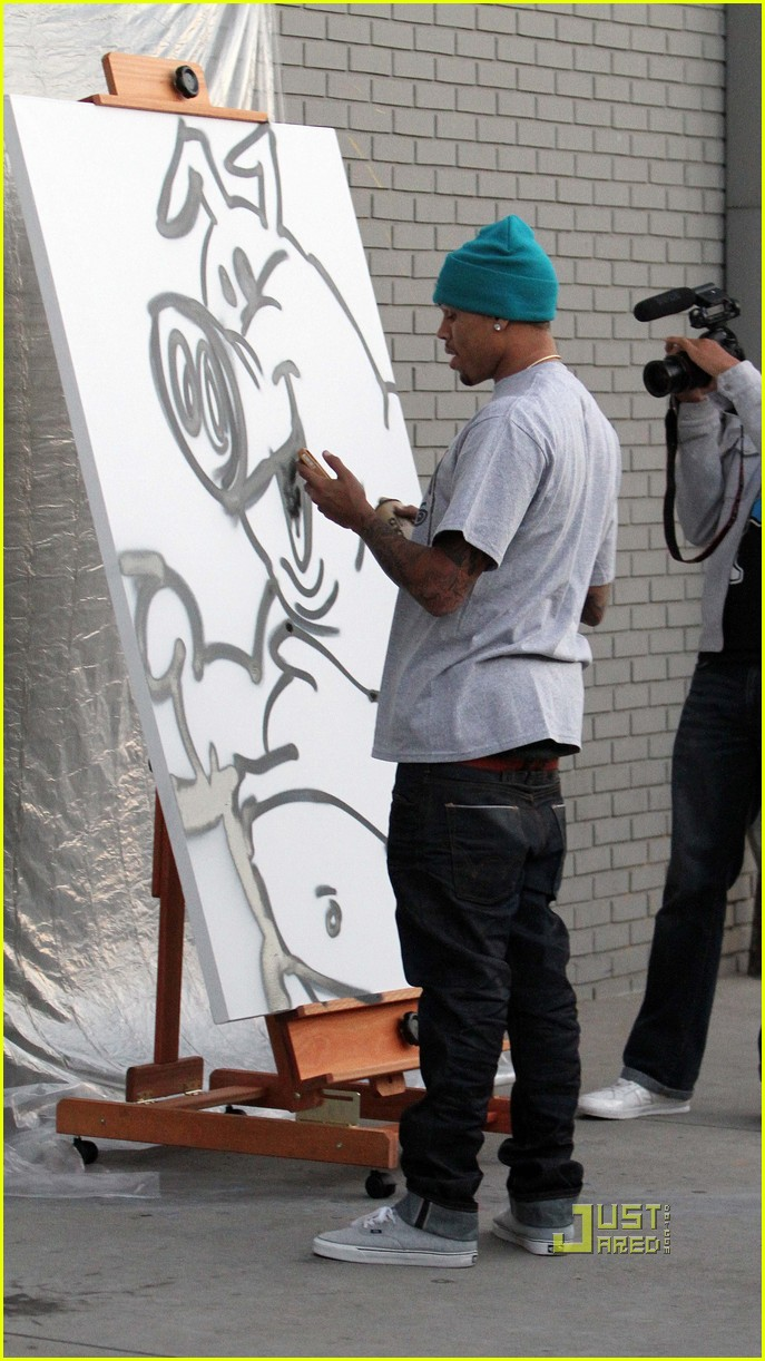 chris brown graffiti barnes noble 05