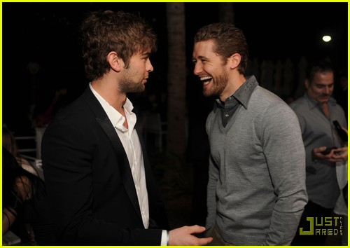 chace crawford matthew morrison new years 03