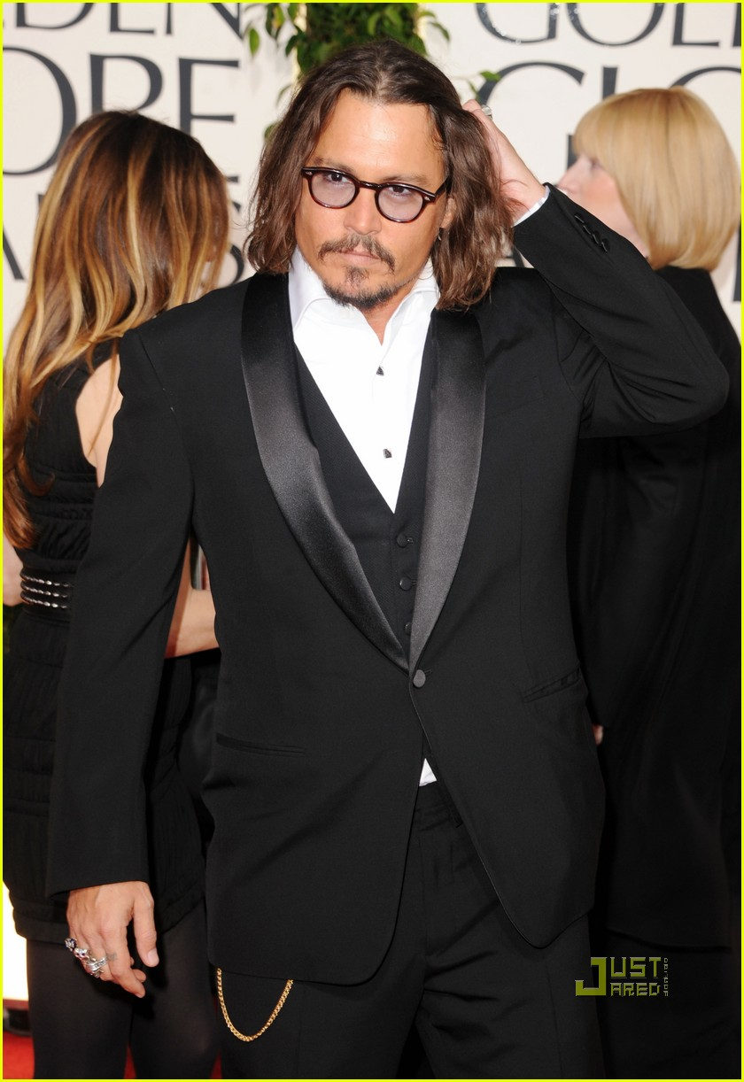 johnny depp 2011 golden globes red carpet 03