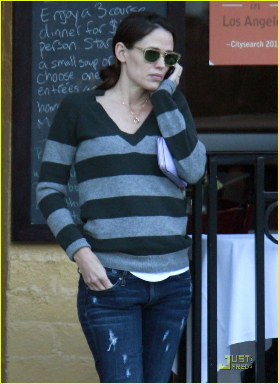 jennifer garner lunch at louises 022509598