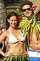 jennifer love hewitt alex beh hula in hawaii 03