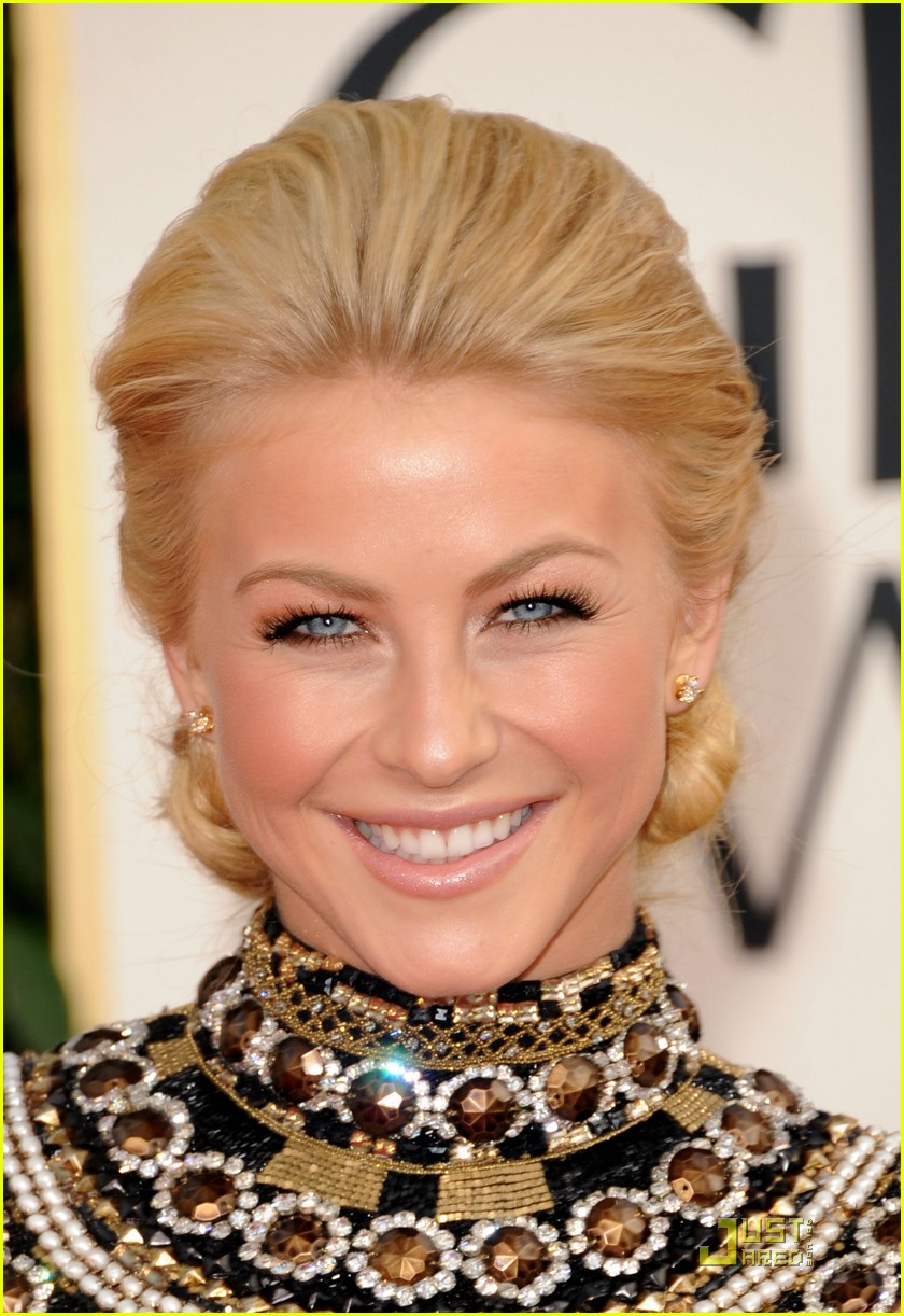 julianne hough golden globes 052512246