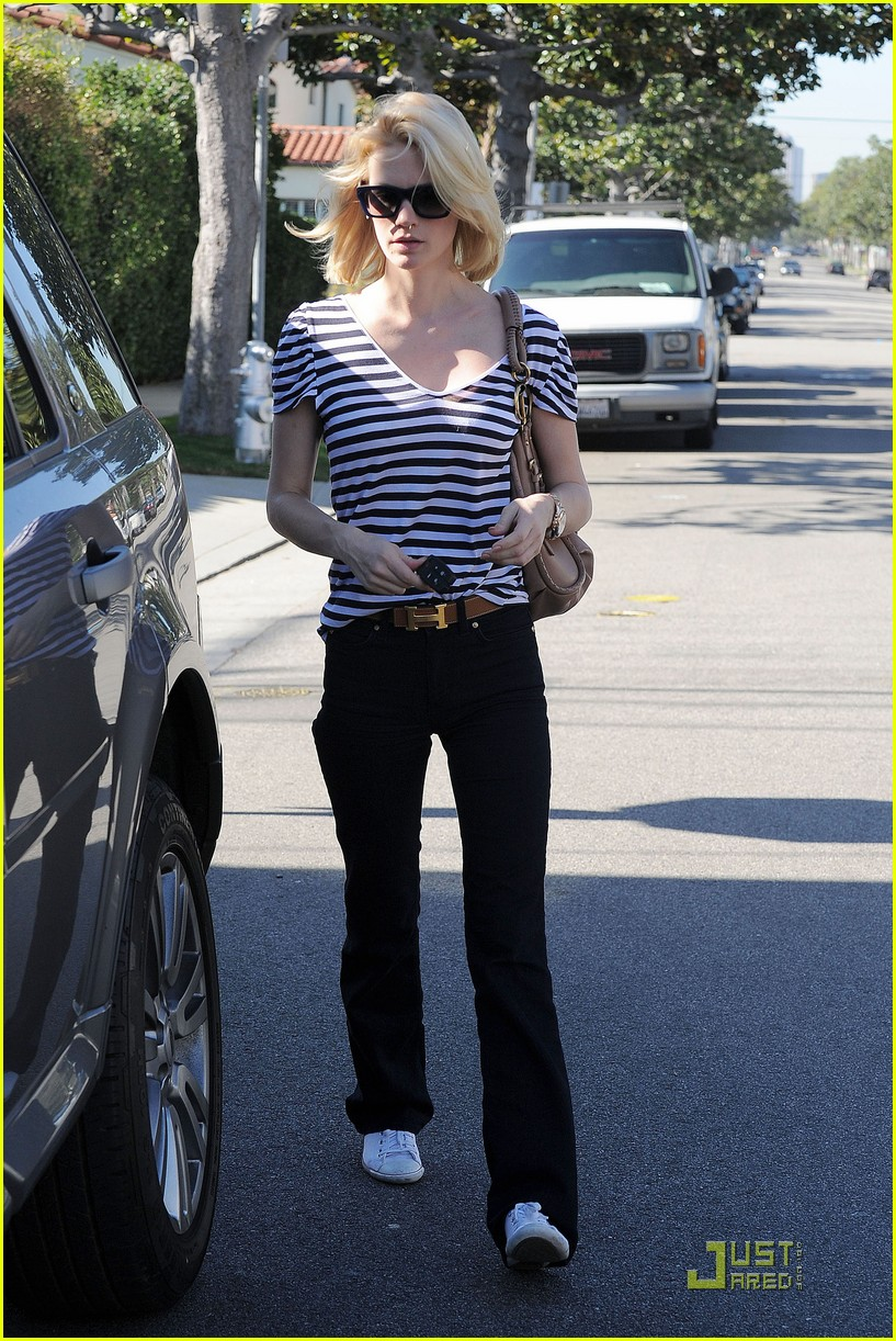 january jones shopping 09