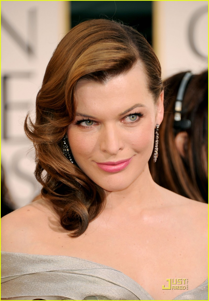 milla jovovich julia stiles golden globes 13