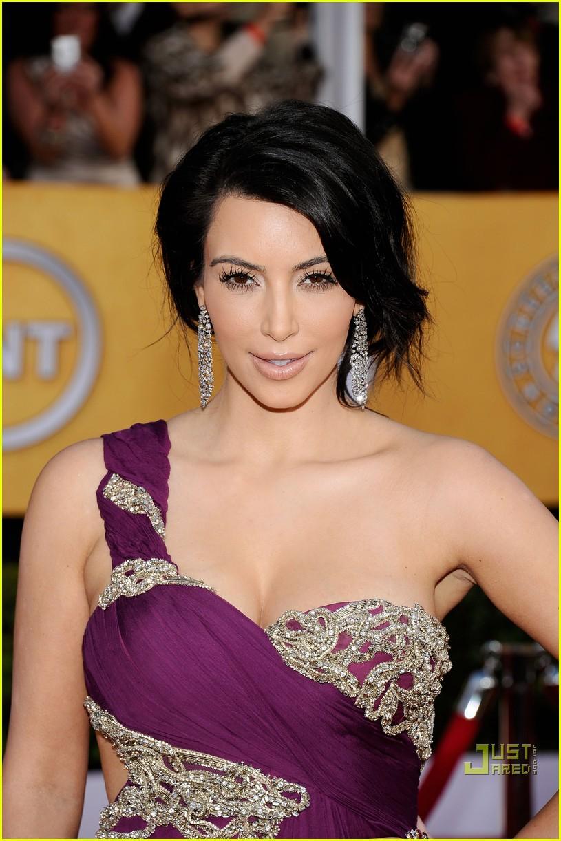 kim kardashian sag awards 2011 04
