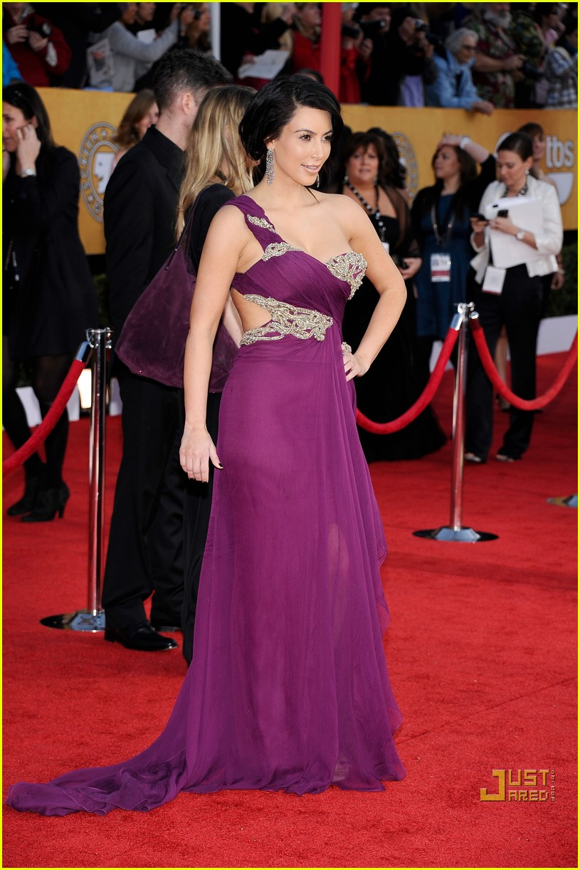 kim kardashian sag awards 2011 05