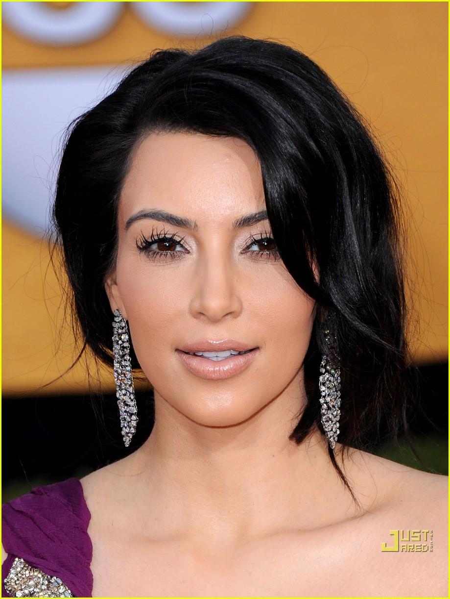 kim kardashian sag awards 2011 06