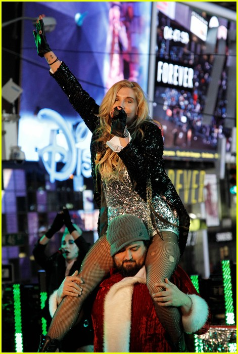 kesha new years 12