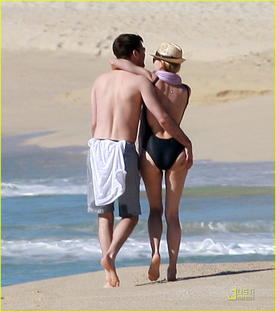 diane kruger rihanna swimsuit twins 04