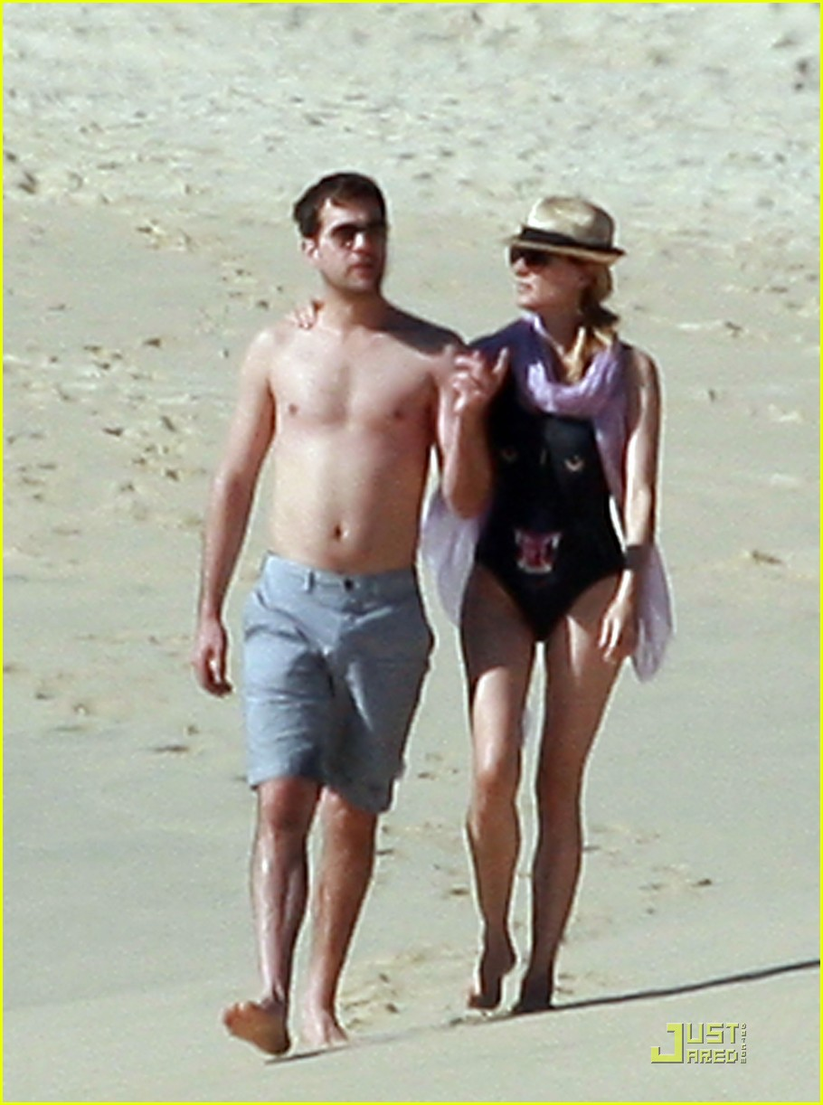 diane kruger rihanna swimsuit twins 072509770
