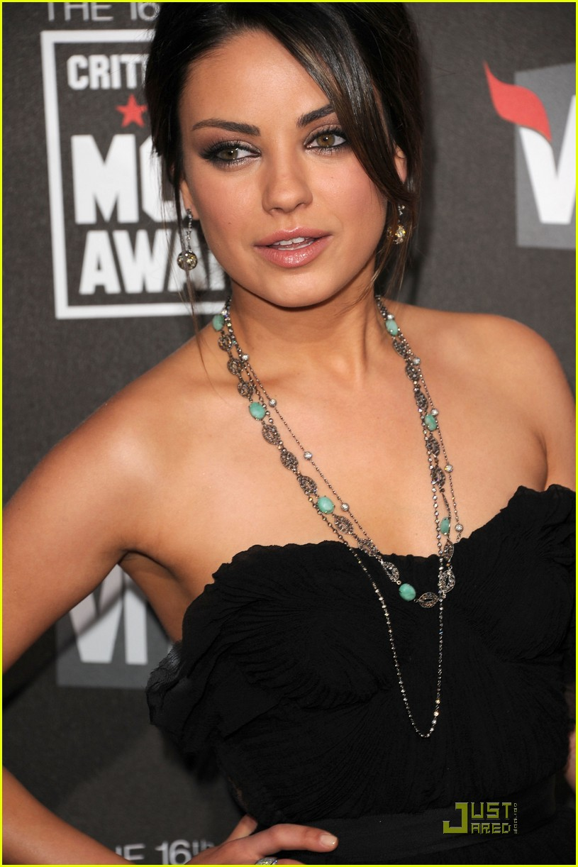 mila kunis critics choice 13